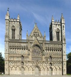 Nidaros Cathedral in Trondheim, Norway. Built over the burial site of Saint Olav, king of Norway in the century who became the patron saint of the nation. Norway Tours, Land Of Midnight Sun, Trondheim Norway, Beautiful Norway, Visit Norway, Copenhagen Denmark, Lofoten, Kirchen, Countries Of The World