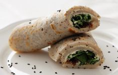 RECEPT: Pohankové palačinky se špenátem, tofu krémem a sušenými rajčaty