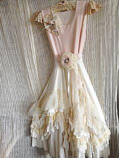 http://dollcake.com.au/blog/dollcake-summer-2012/vintage-dress-one-off-giveaway/ gorgeous!
