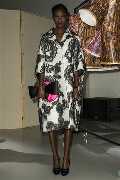 Paule Ka -Automne-Hiver 2016-2017  Manteau oversized blanc motifs noirs