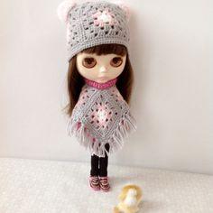 Set of 2: Poncho and Hat with Pom Poms Granny от HappyToysDolls