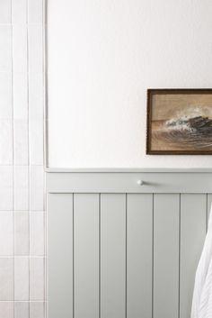 Downstairs Bathroom, Bathroom Wall Decor, Bathroom Inspiration, Interior Inspiration, House Games, Living Room White, Large Bathrooms, Cottage, Minimalist Interior