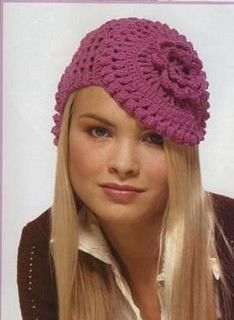Heti divat – crochet and knit hats Autumn (beret, Classic hats and caps) Crochet Beret, Crochet Cap, Crochet Scarves, Crochet Clothes, Free Crochet, Knitted Hats, Diy Crafts Crochet, Crochet Projects, Knitting Patterns