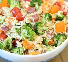 ORZO PASTA SALAD is one of the tastiest and easiest summer sides! I love the color and fresh veggies mixed together with the little grains of orzo pasta! It's always a hit! My son's school Orzo Salad, Soup And Salad, Asian Ramen Salad, Ambrosia Salad, Side Salad, Pasta Dishes, Salad Recipes, Side Dishes, Cooking Recipes