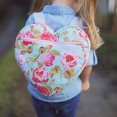 Make an adorable heart shaped backpack with this free pattern! Perfect for the little Valentines in your life!