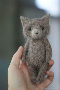 Fabric Animals, Felt Animals, Needle Felted Animals, Needle Felting, Diy Natural Toys, Doll Crafts, Cute Crafts, Hedgehog Craft, Handmade Stuffed Animals