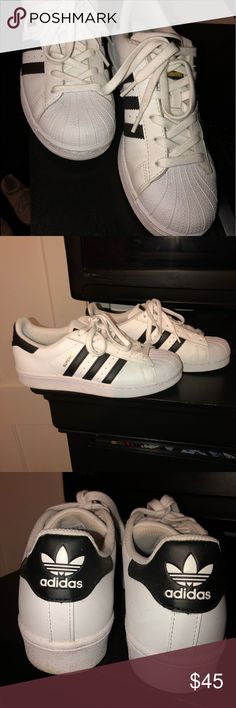 outlet store 97b8d 926fc Big kids adidas shell toe  shelltoe Worn , in great condition! Big kids 6  can fit a women s shelltop  shell top  superstar adidas adidas Shoes  Sneakers
