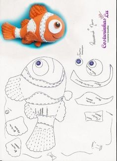 What a gorgeous Nemo pattern for felt fish Sewing Toys, Sewing Crafts, Sewing Projects, Felt Fish, Plush Pattern, Quiet Books, Felt Fabric, Felt Toys, Stuffed Animal Patterns