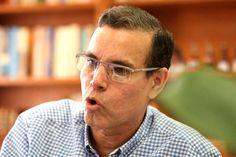 @LuisVicenteLeon se atreve a comparar lo que ocurre en Venezuela: EL Drama de un Adiós Forzado http://critica24.com/index.php/2015/09/13/luisvicenteleon-se-atreve-a-comparar-lo-que-ocurre-en-venezuela-el-drama-de-un-adios-forzado/