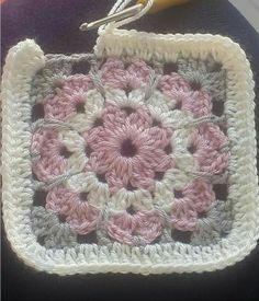 Transcendent Crochet a Solid Granny Square Ideas. Inconceivable Crochet a Solid Granny Square Ideas. Crochet Square Blanket, Crochet Quilt, Crochet Blocks, Granny Square Crochet Pattern, Crochet Flower Patterns, Crochet Stitches Patterns, Crochet Squares, Crochet Motif, Crochet Yarn