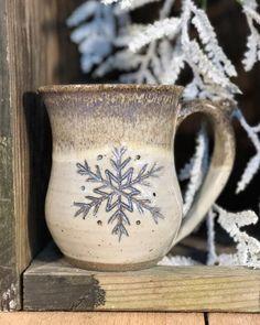 Snowflake Mug Round Bottom {Vanilla Bean} - Alewine Pottery Pottery Designs, Mug Designs, Pottery Ideas, Pottery Mugs, Ceramic Pottery, Slab Pottery, Ceramic Cups, Ceramic Art, Tassen Design