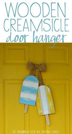 DIY Wooden Creamsicle Door Hanger