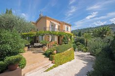 Villa Cannes, Spanish Exterior, International Real Estate, Provence, Luxury Homes, Cannes France, Mansions, House Styles, Beautiful