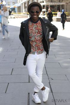 Streetstyle, ootd, men's fashion, patterns, white jeans, nike, leather jacket, hat, ray bans