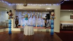 We decorate parties and events in Sydney with variety of balloons arrangements like balloon columns, balloon arches, balloon bouquets and name & letter balloons 1st Birthday Balloons, Birthday Balloon Decorations, Balloon Arrangements, Table Arrangements, Balloon Columns, Balloon Arch, Balloon Bouquet, Arches, Birthday Celebration