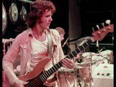 John Wetton, King Crimson Live in Central Park 1973 John Wetton, Steve Howe, Psychedelic Bands, John Payne, King Crimson, Uriah, Music Pics, Progressive Rock, Music Lessons