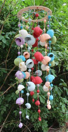 Magazine about beading Beads. - Magazine about beading Beads. Informations About Časopis o korálkování KORÁLKI. Pin You can eas - Seashell Wind Chimes, Diy Wind Chimes, Seashell Art, Seashell Crafts, Sea Crafts, Home Crafts, Diy And Crafts, Crafts For Kids, Arts And Crafts