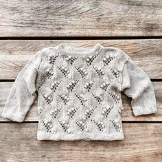 Ærtebluse – Knitting for Olive Lace Patterns, Baby Knitting Patterns, Knitting For Kids, Crochet For Kids, Crochet Buttons, Knit Crochet, Baby Pullover, Knitted Baby Clothes, Baby Sweaters