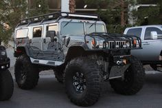 Hummer H1- this is the car I'm going to drive on my ranch in Texas!