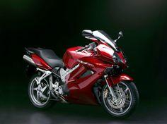 Honda VFR 800 V-TEC #motorcycles