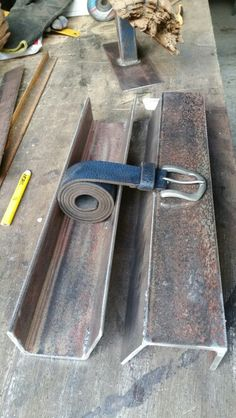 5mm scrap steel transformed into a belt stand