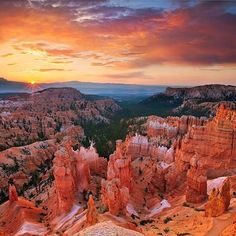 Big plans have been made. The Grand Canyon is on our list for 2017! Can't wait to admire this 😍 #travel #holiday #camper #rv #grandcanyon #roadtrip #states #grandcanyonnationalpark #nature #miracle #mustvisit #bucketlist #dreamscometrue #bigplans #traveling #wanderingaround #wanderlust #america