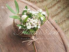 Bouquet de terciopelo. Velvet bouquet. Prendido. floral pinned www.eljardindemamaana.com