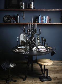 Blue Note Benjamin Moore - navy blue, chocolate brown & black