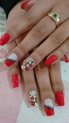 Decoración de uñas #BrigithSalazar Flower Nail Designs, Diy Nail Designs, Flower Nail Art, Fabulous Nails, Perfect Nails, Manicure And Pedicure, Gel Nails, French Nails, Pretty Nail Art