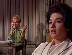 Tippi Hedren & Suzanne Pleshette in Alfred Hitchcock's The Birds (1963)