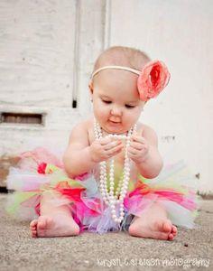 Love the pearls and tutu look! Great idea for mya's 1 year pics Cute Baby Photos, Baby Girl Photos, Newborn Photos, Baby Pictures, Cute Pictures, Kid Photos, Cute Kids, Cute Babies, Baby Kids