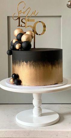 Black And Gold Birthday Cake, 16th Birthday Cake For Girls, Square Birthday Cake, 22nd Birthday Cakes, Black And Gold Cake, Elegant Birthday Cakes, Beautiful Birthday Cakes, Designer Birthday Cakes, Birthday Cake For Women Elegant