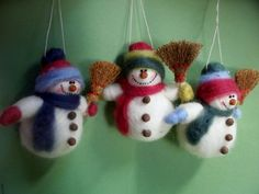 Snowman with Broom Felted Wool Ornament от WhimsicalWoolies
