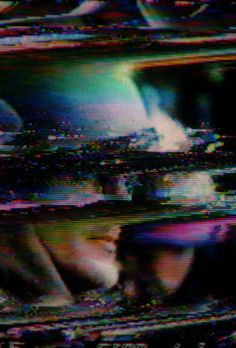 A mix of Dieter Moebius' essential tracks Vhs Glitch, Glitch Art, Digital Tv, Mirror Image, Psychedelic Art, Vaporwave, Color Photography, Trippy, Cyberpunk