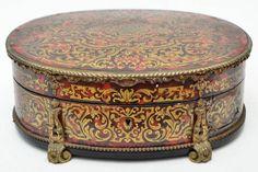 Napoleão III - Século XIX - Boule - Magnífica caixa porta jóias oval com o interior revestido em vel