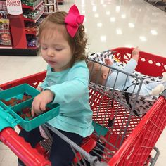 How to shop with a baby and a toddler! Use a shopping cart hammock and a snap and shop snak tray! Everyone's happy! - Mariah (@likehoneyblog) • Instagram photos and videos