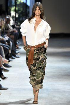 Quer inovar nos camuflados? Aposte nas cores e acabamentos diferenciados. Em nossa linha Focus On Jeans, você encontra diversos artigos para modernizar essa tendência. #FocusTextil #FocusOnJeans® #Camuflado #Camo