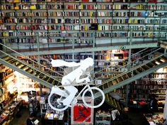 #Jetset24Hours: Lisbon, Portugal: Visit one of the most beautiful bookstores in the world in LX Factory