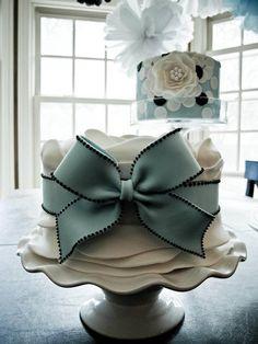 Beautiful Cake Pictures: Large Baby Blue Bow on Little White Cake: Birthday Cakes, Elegant Cakes, Wedding. Cakes