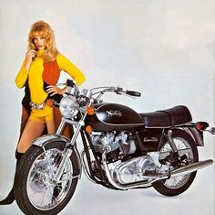 Norton Motorcycle, Motorcycle Posters, Motorcycle Garage, Motorcycle Design, British Motorcycles, Vintage Motorcycles, Norton Cafe Racer, Norton Commando, Bike Poster