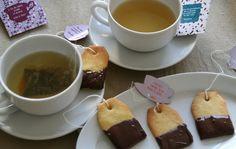 Adorables et tellement fondants, ces biscuits sablés accompagneront divinement votre tasse de thé pour le goûter.