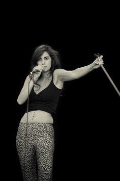 MUSIC PHOTO NEWS: Yasmine Hamdan Rockn Roll, Music Photo, Female Portrait, My Music, Concert, Idol, Photography, Portraits, Queen