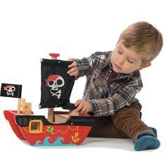 Barco do Pequeno Capitão Pirata - Le Toy Van   Cristina Siopa
