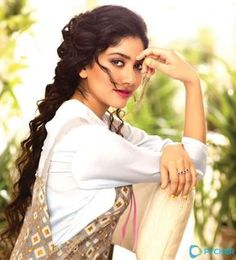 Sai pallavi cutest tollywood south Indian Actress insane beauty face unseen latest hot sexy images of her body show and navel pics with big. Beautiful Girl In India, Most Beautiful Indian Actress, Beautiful Women, Best Beauty Tips, Beauty Hacks, Sai Pallavi Hd Images, South Indian Actress Photo, South Actress, Indian Women Painting