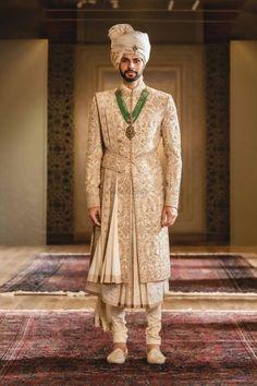 Sherwani For Men Wedding, Wedding Dresses Men Indian, Sherwani Groom, Indian Wedding Fashion, Wedding Dress Men, Indian Men Fashion, Wedding Men, Desi Wedding, Indian Weddings
