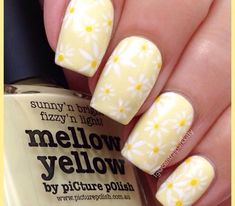 16 Yellow Nails 600x525
