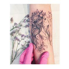 Latest Gemini Tattoos Ideas for Girls To Copy In 2020 Girl Thigh Tattoos, Forarm Tattoos, Leg Tattoos, Body Art Tattoos, Nature Tattoos, Tattoo Girls, Tatoos, Face Tattoos For Women, Sleeve Tattoos For Women