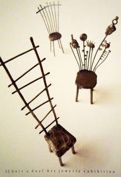 [Chair a day] Art jewelry exhibition - Liisa Hashimoto