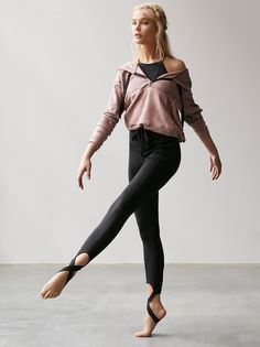 Crosstown Legging | Head to the studio in these workout-ready leggings with Picot Performance stirrup detailing and Performance Seaming. Wide reinforced waistband.  .