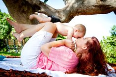 Mommy & baby poses! Such a sweet idea for this age.. and even to continue a few more times as they grow :) Baby boy photos with mom, Mommy & me photography, fun pose ideas with baby
